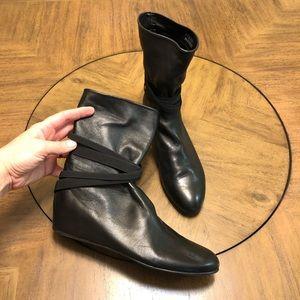 Stuart weitzman black zen leather booties